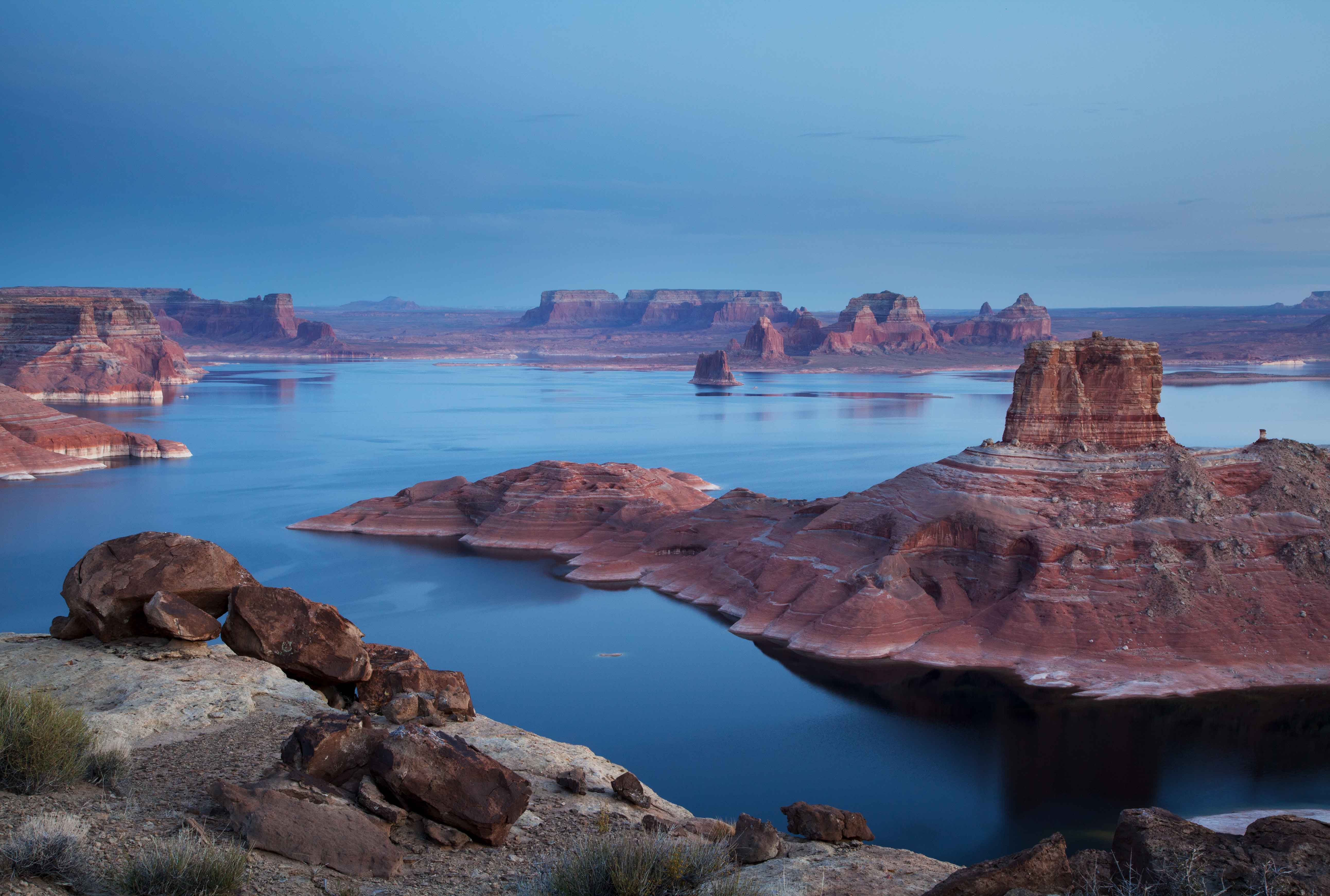 Looking across Lake Powell from Utah to Arizona. The formation at middle-right is Cookie Jar Butte in Padre Bay