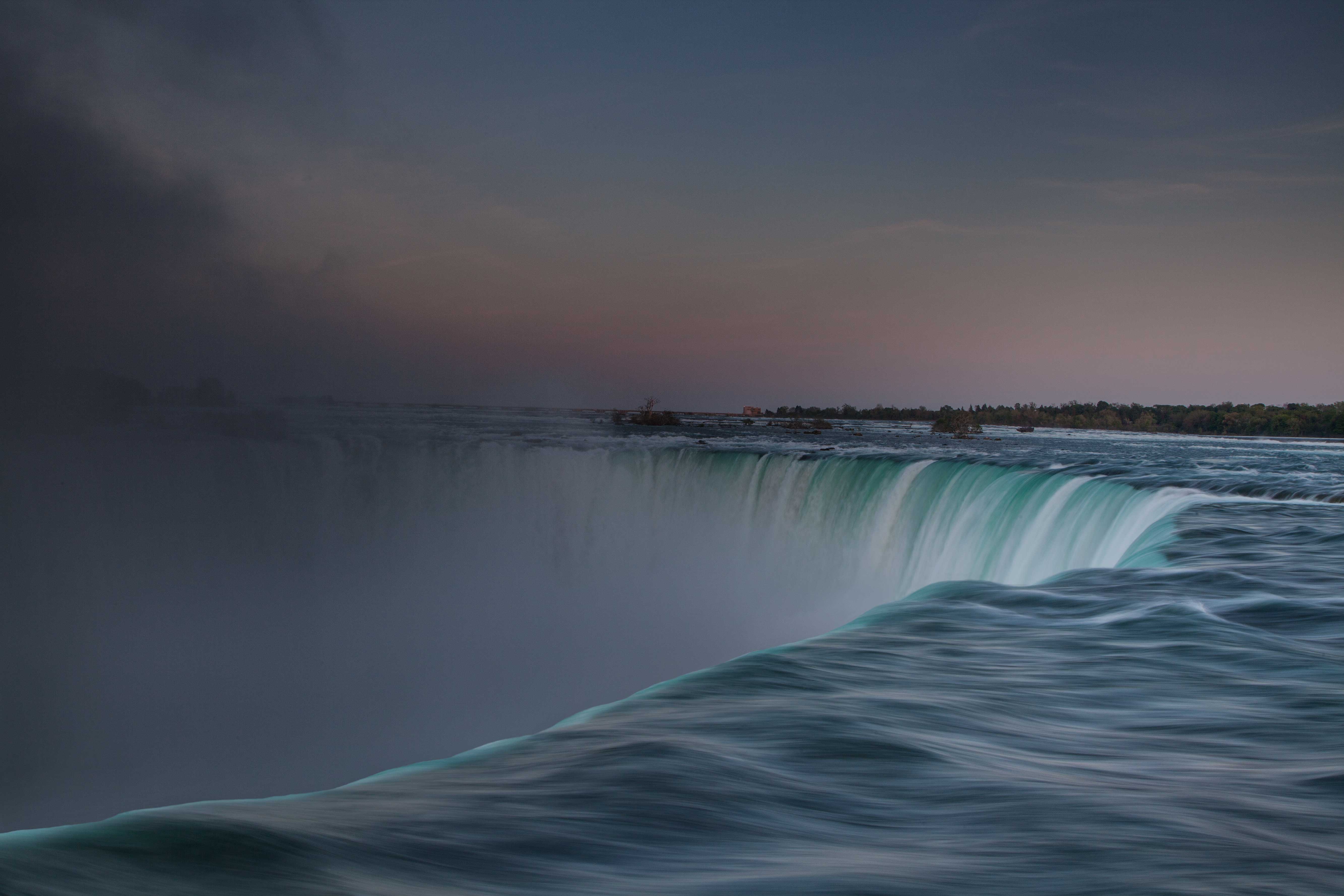 Horseshoe Falls at twilight, from the Canadian side of Niagara Falls